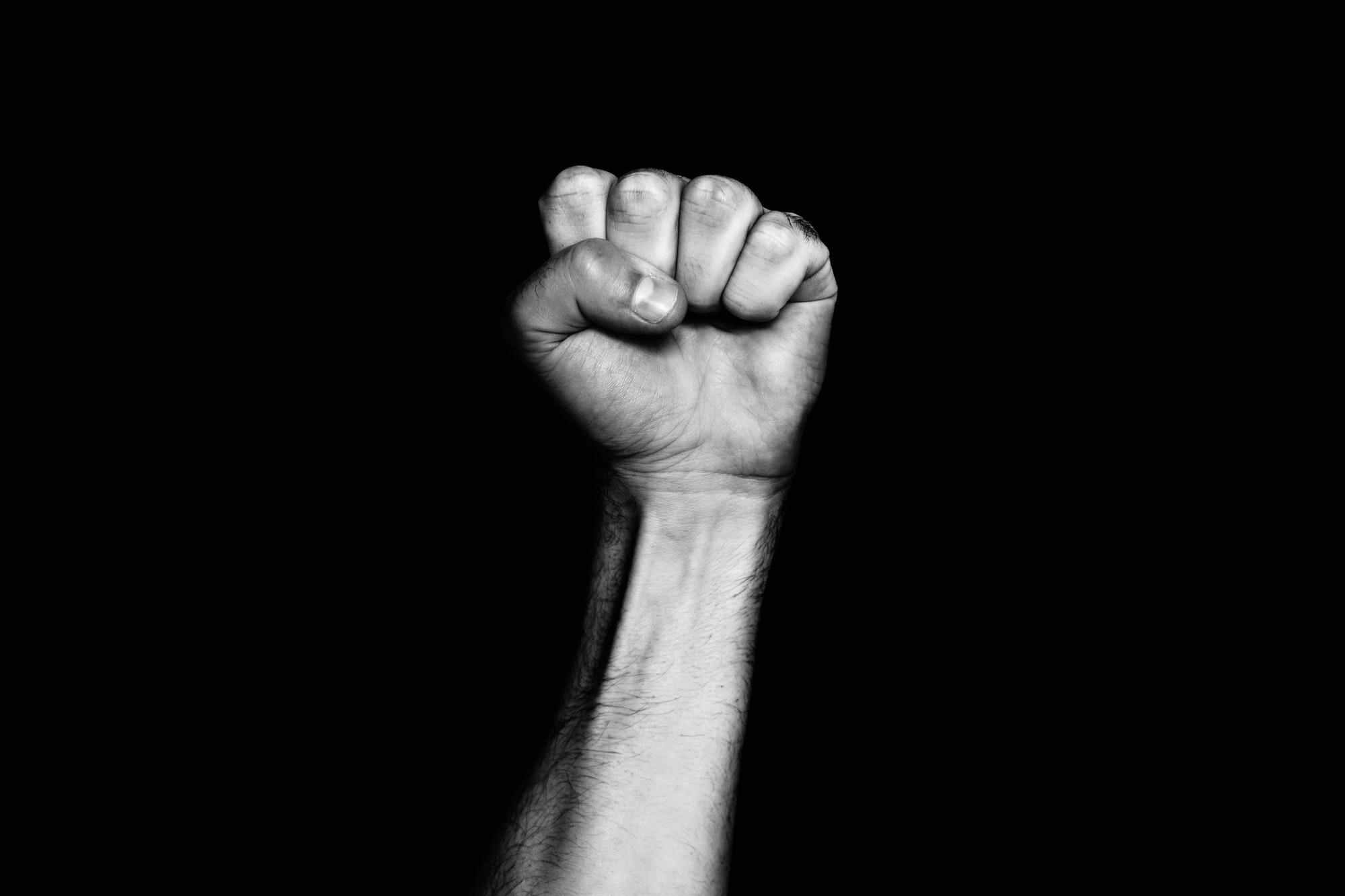 הקשר בין הספר דירה להשכיר לבין גזענות | פרופ' יובל אלבשן