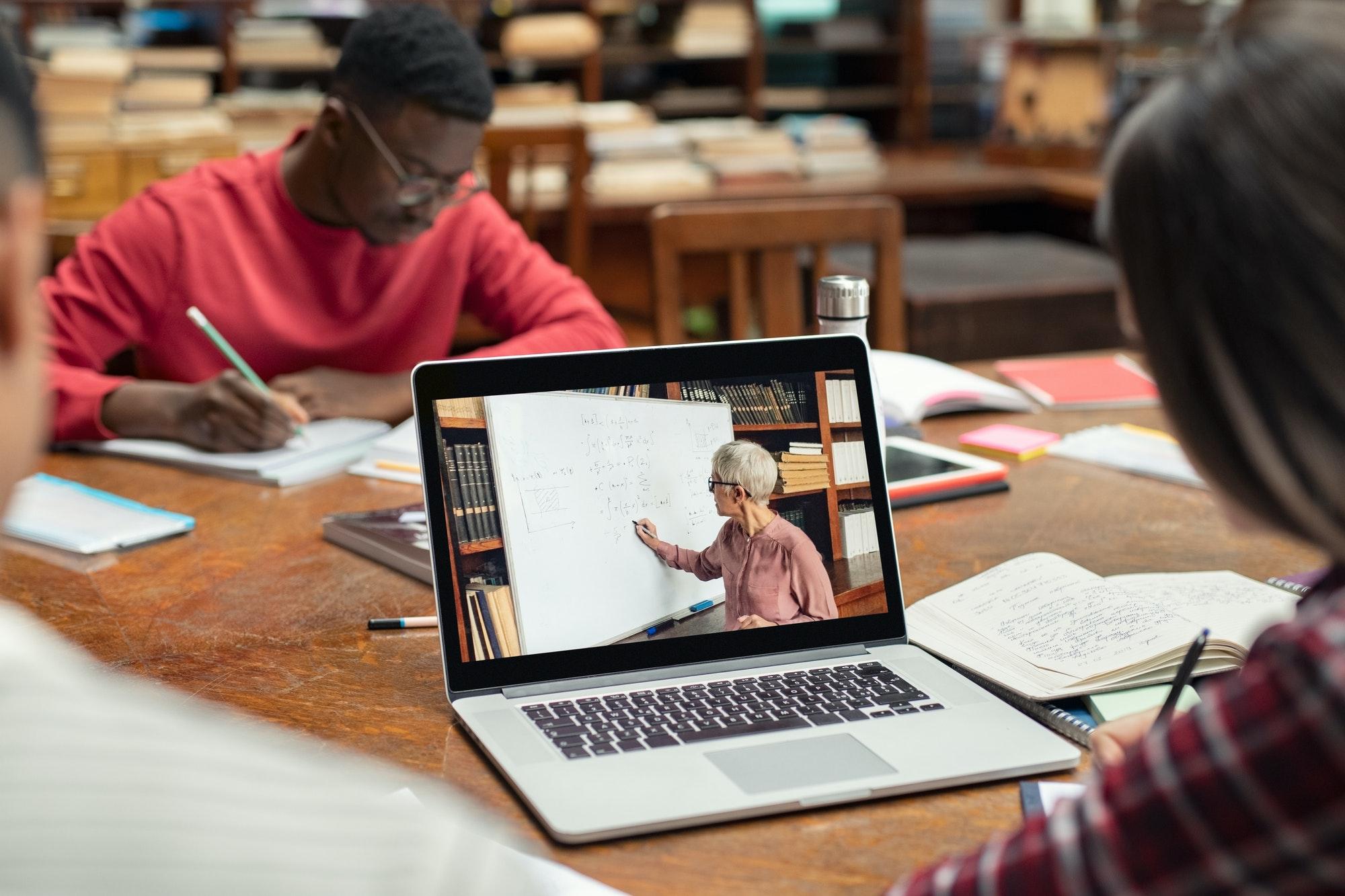 אתגרי החינוך במאה ה-21 | דלית שטאובר